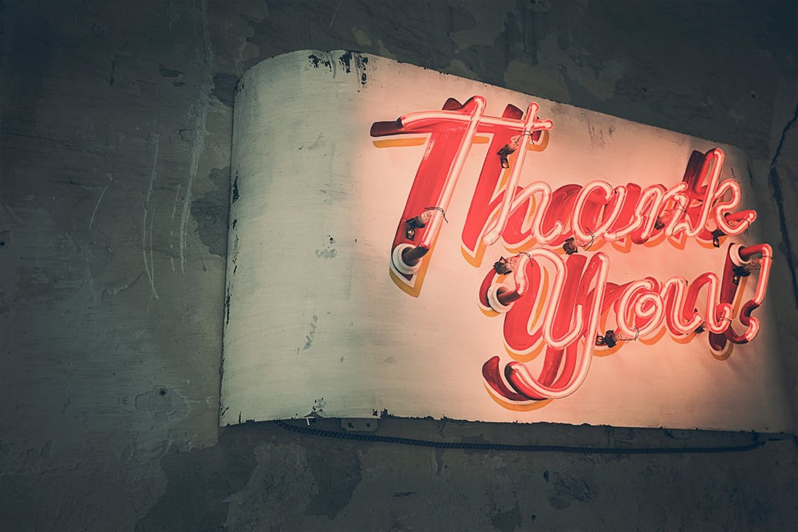 Easy Ways to Thank Customers at the End of the Year